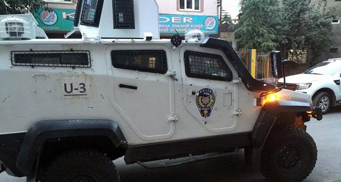 Diyarbakır'da asker ve polise saldırı! 2 terörist yakalandı