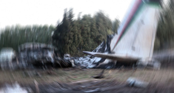 Paris'te küçük uçak düştü: 4 ölü