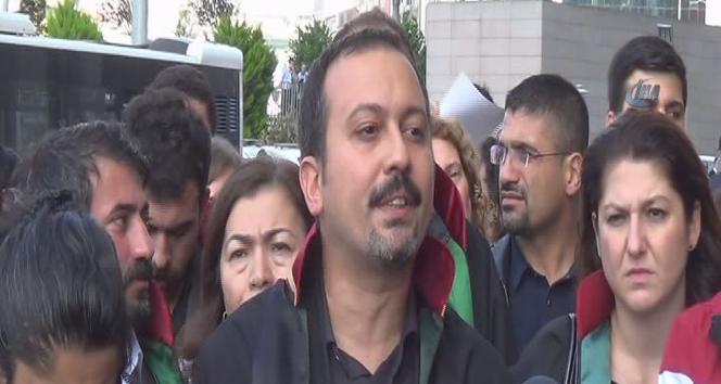 Avukatlardan adliye içinde 'Ankara' protestosu