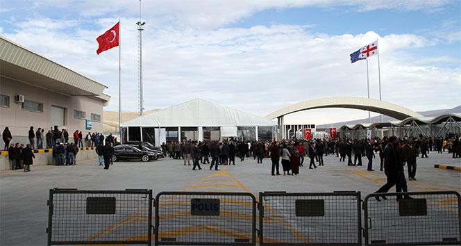 60 yıllık hasret sona erdi, Aktaş Sınır Kapısı açıldı