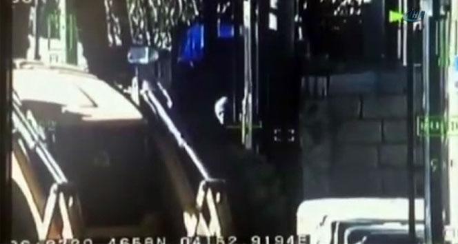 Polis, teröristlerin hendek kazdığı kepçeye böyle kurşun yağdırdı
