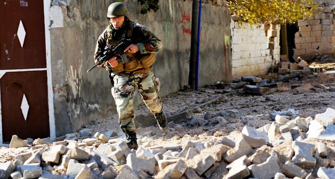 Sur'da çatışma: 1'i ağır 4 asker yaralı