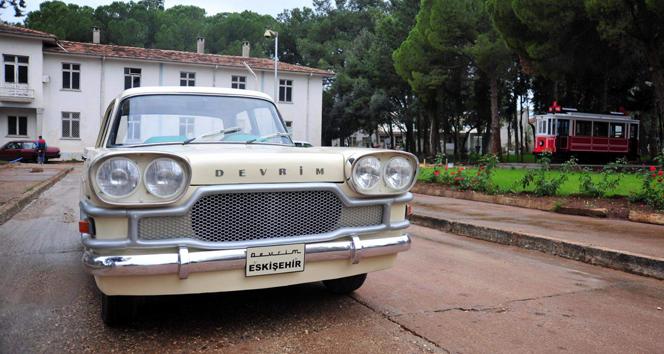 İlk milli otomobil 'Devrim' dokuma sokaklarında