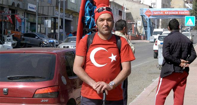 Şehitler için sırtında Türk bayrağı ile Çanakkale'ye yürüyecek
