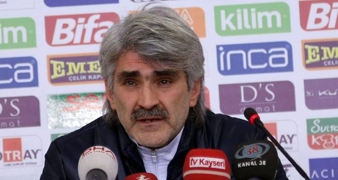 FETÖ'den yargılanan eski futbolcu Uğur Tütüneker beraat etti
