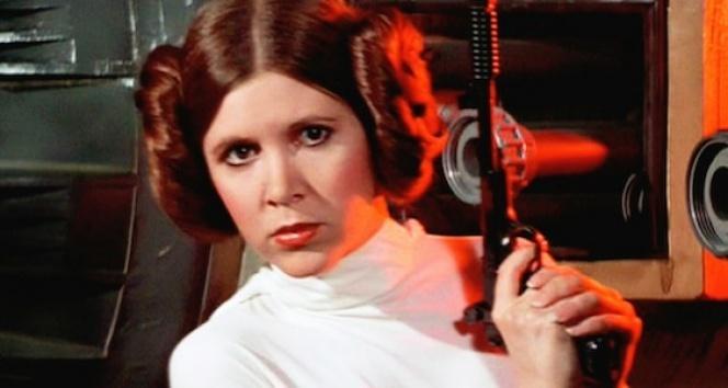 Carrie Fisher uçakta kalp krizi geçirdi 1