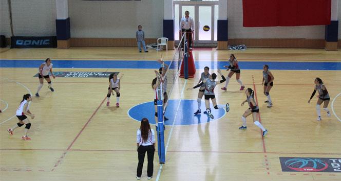 Üniversiteler Voleybol 2. Ligi'nde şampiyon Nişantaşı Üniversitesi