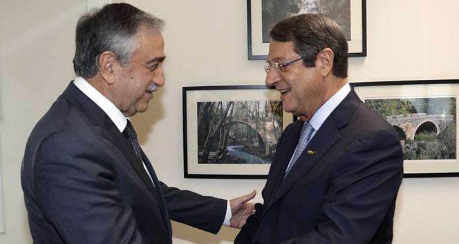 Kıbrıslı liderler 2 ay sonra yeniden bir arada