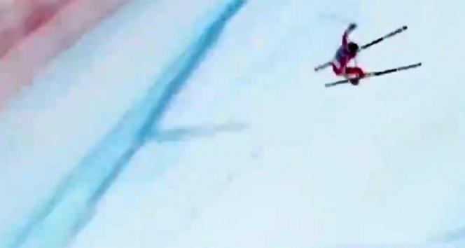 Dünya Kayak Şampiyonasında feci kaza