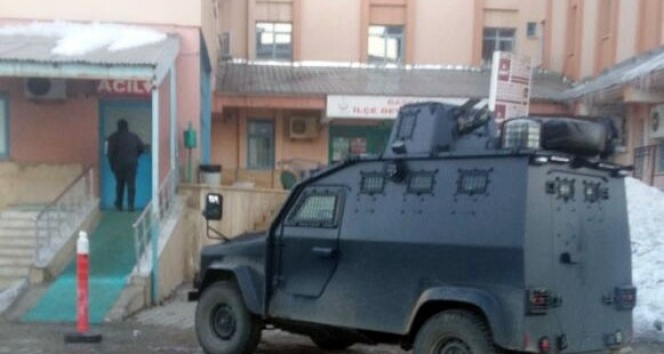 Başkale'de askeri araç kaza yaptı: 2 yaralı