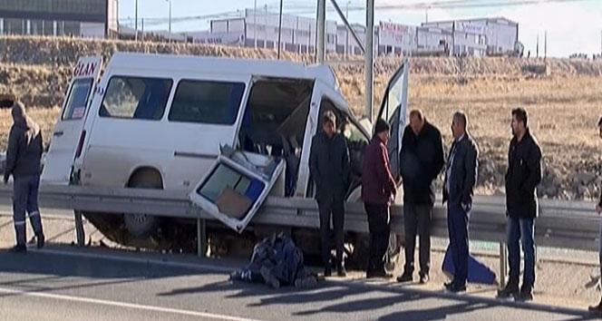 Kayseri'de feci kaza: 2 ölü 10 yaralı