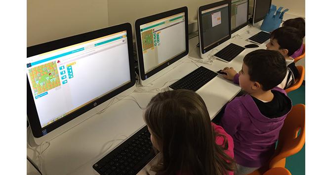 Öğrenciler dijital dünyayı yakından tanıyor