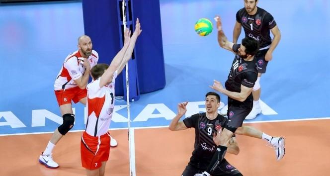 CEV Erkekler Şampiyonlar Ligi maç sonucu | Halkbank: 3 - Belogorie Belgorod: 2
