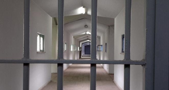İsrail hapishanelerinde koronaya yakalanan Filistinlilerin sayısı 135 oldu