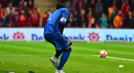 Galatasaray tribünlerinden Volkan Demirele şok tepki