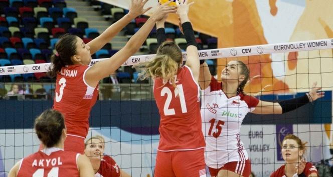 Polonya 1-3 Türkiye |Filenin Sultanları çeyrek finalde (Polonya Türkiye maçı kaç kaç bitti)