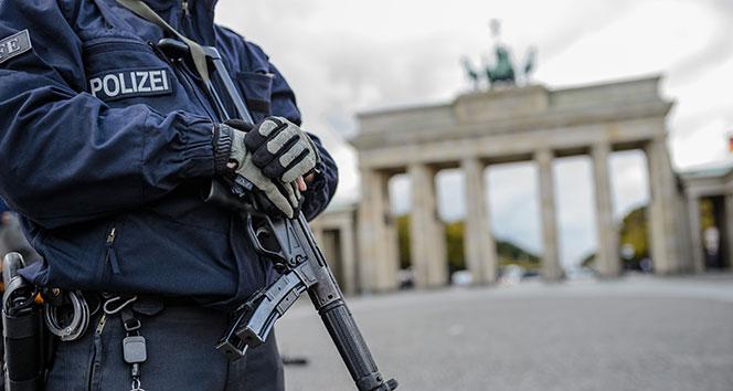 Almanya'da PKK yandaşlarına baskın