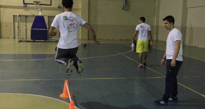 Küçükçekmece Belediyesi'nden POMEM'e hazırlanan gençlere eğitim