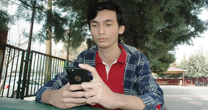 Lise öğrencisi, Siri'nin açığını buldu