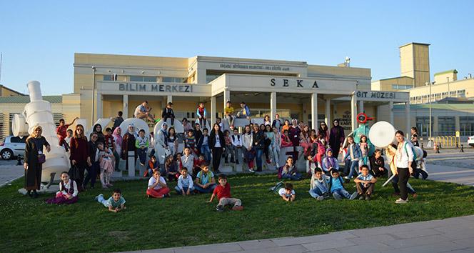 Kartepeli çocuklar, Biliim Merkezi'ni gezdiler