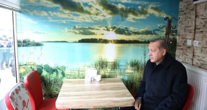 Cumhurbaşkanı Erdoğan'a Kastamonu'da çay ikram edildi