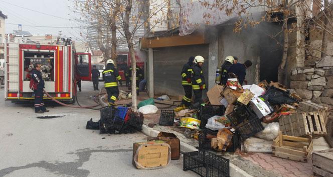 Konya'da depo yangını