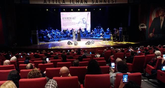 Ünlü isimler Kıvırcık Ali için Beşiktaş'ta sahne aldı