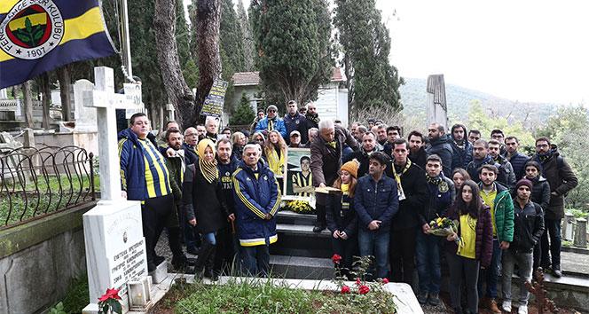 Lefter Küçükandonyadis, mezarı başında anıldı