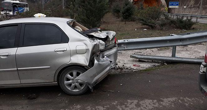 Otomobile tır arkadan çarptı: Aynı aileden 4 kişi yaralandı