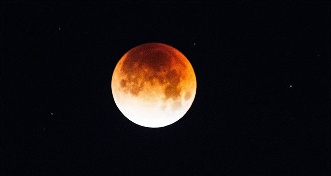'Süper Kanlı Mavi Ay Tutulması' Los Angeles'da izlendi