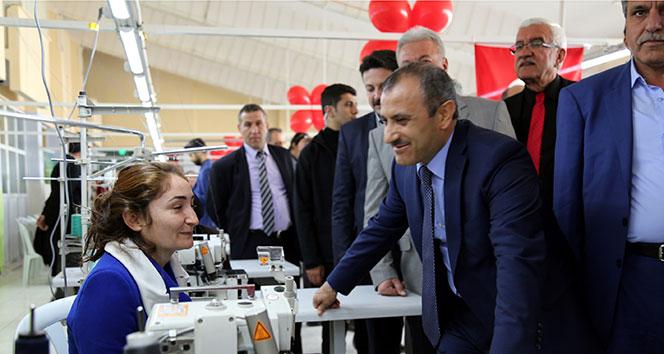 Eski okul, tekstil atölyesi oldu 150 kadın iş başı yaptı