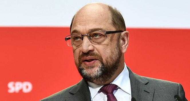Almanya'da SPD Genel Başkanı Martin Schulz istifa etti