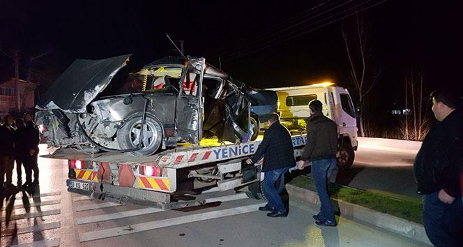Tokat'ta otomobil elektrik direğine çarptı: 7 yaralı