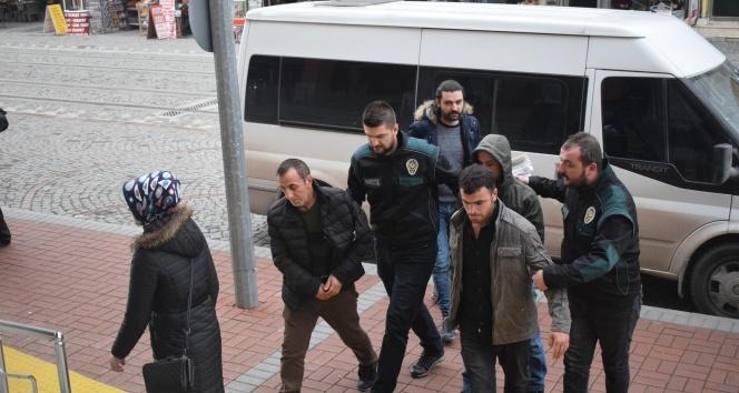 Tırın dorsesine gizledikleri 310 kilo eroinle yakalanan 4 kişi tutuklandı