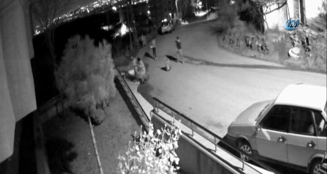 Sokak ortasında cinayet kamerada... Eşini ve sevgilisini öldüren şahıs yakalandı