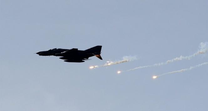 ABD'de askeri savaş uçağı denize düştü