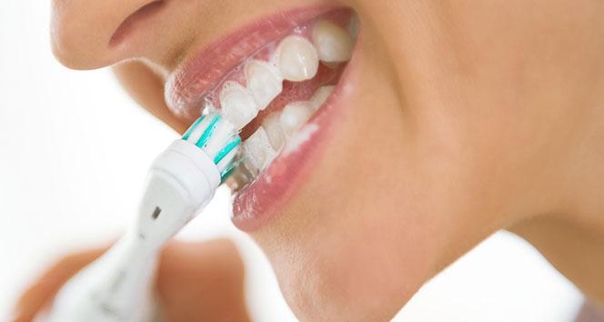 Diş eti hastalığı ve kanamalarının nedenleri nelerdir?