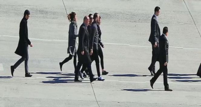 Murat Gezer, nişanlısı Mina Başaran'ın cenazesi için Atatürk Havalimanı'nda