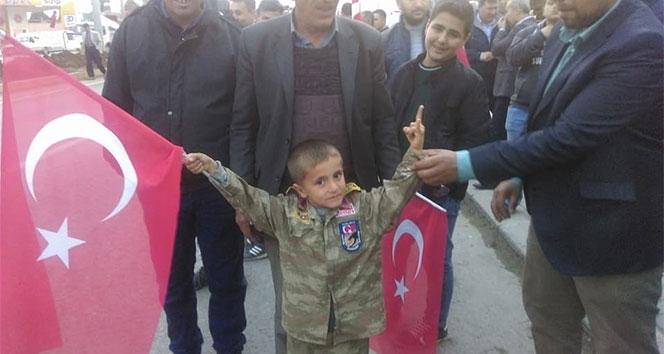 Afrin'e giden jandarma komandoya ailesinden sürpriz
