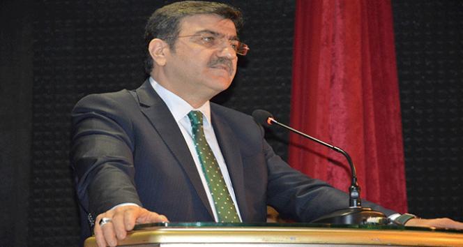 """Prof. Dr. Hacısalihoğlu: """"Mehmetçik zulme karşı direncin sembolüdür"""""""