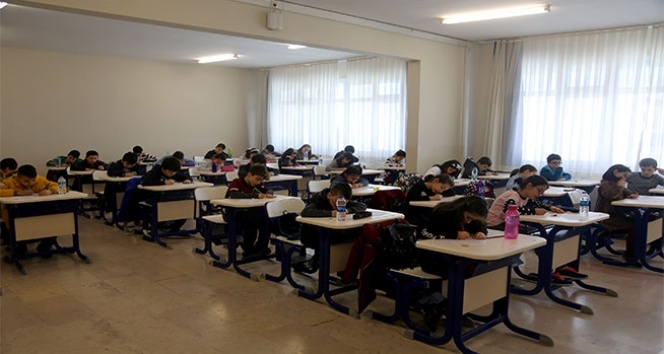 İhlas Koleji'nde bursluluk sınavı heyecanı