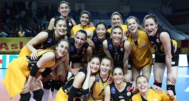 Galatasaray Kadin Voleybol Takimi Dortlu Final Icin Italya