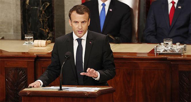 Macron'a suikast girişimi önlendi
