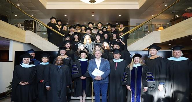 BAU Washington D.C. üçüncü mezunlarını verdi