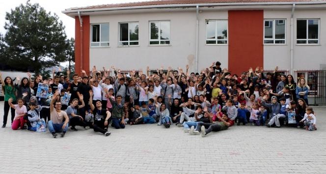 İhlas Koleji'nin Umut Ağacı Kulübü'den, Çorlu'daki öğrencilere yardım eli