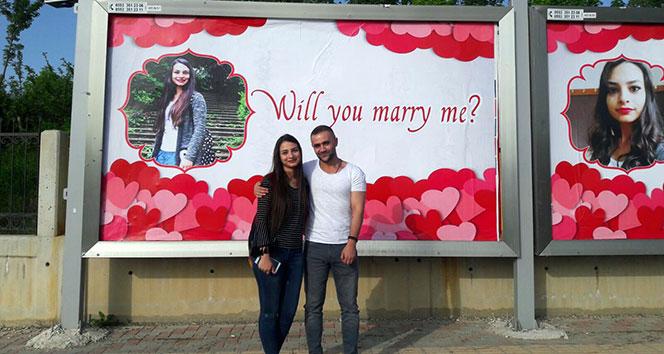 Kastamonu'da reklam panoları görenleri şaşırttı