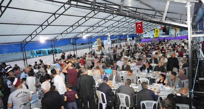 Vatandaşlardan iftar çadırlarına yoğun ilgi
