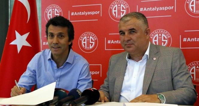 Bülent Korkmaz, Antalyaspor ile 1+1 yıllık sözleşme imzaladı