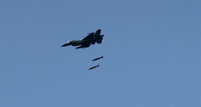 Koalisyon uçakları yanlışlıkla Irak polis güçlerini vurdu! Ölü ve yaralılar var