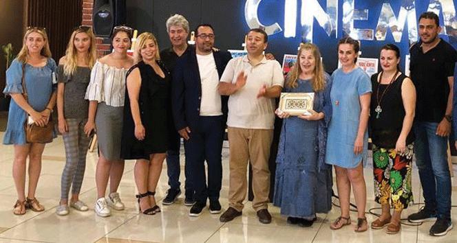 """""""Film Afişlerinde Kıbrıs"""" sergisi, ünlü oyuncunun katılımıyla gerçekleşti"""